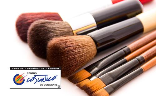 La importancia de limpiar tus brochas y pinceles de maquillaje